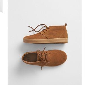 Gap shoes size 10